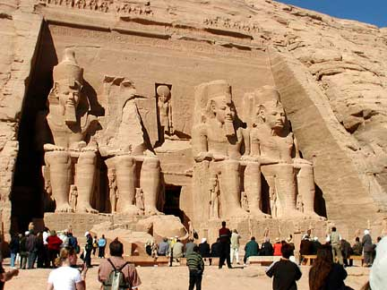 http://www.norseaodyssey.com/Our_Travels/Africa/Egypt/Abu_Simbel/abu_simbel_front_2.jpg